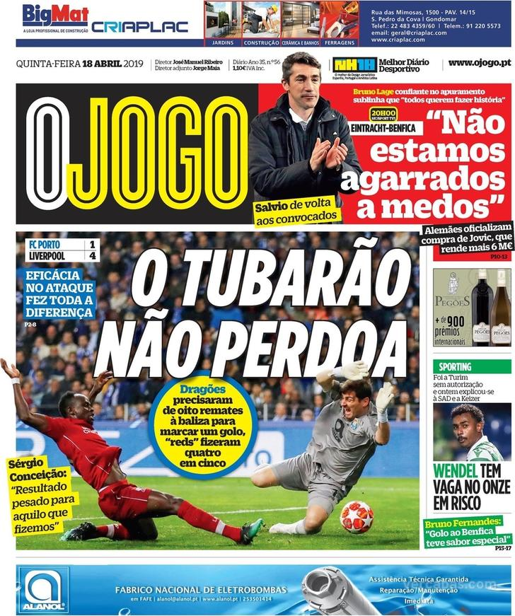 8d77ccec9 Fora-de-jogo  Capas  A eliminação do FC Porto. Benfica ataca  meias ...